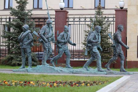 Игнатов А.И. Скульптурная композиция «Они сражались за Родину»