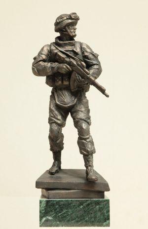 Игнатов А. И. Современный солдат в экипировке